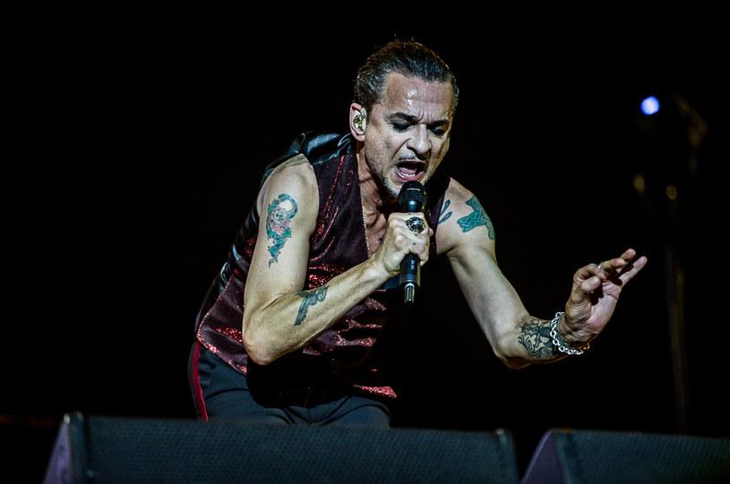 Lata mijają, a oni wydają się być niezniszczalni. Depeche Mode zagrali kolejny mocarny koncert w Polsce. Miejscem, które tym razem podbili Gahan i spółka był gdyński Open'er Festival, a przy przebojach zespołu bawili się nie tylko zagorzali fani, ale i młodzi uczestnicy imprezy.