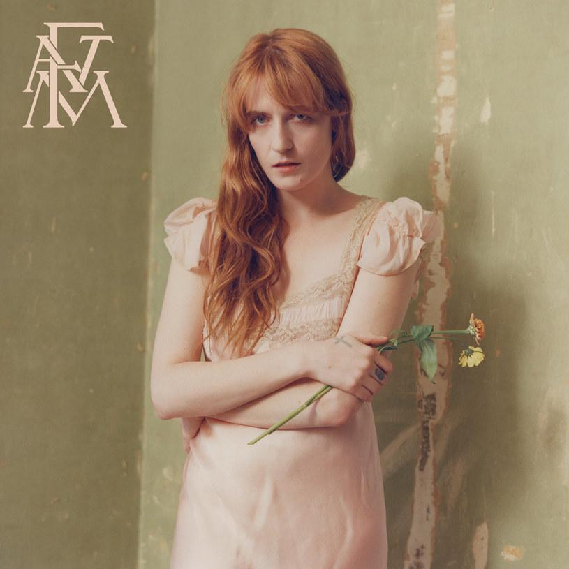 """Florence and the Machine przyzwyczaili słuchaczy do tego, że poniżej pewnego poziomu nie schodzą. Tak jest i teraz. Nie przyzwyczaili ich jednak do spokoju i wyciszenia, a to cechy, które - obok szczerości - prawdopodobnie najlepiej definiują """"High As Hope""""."""