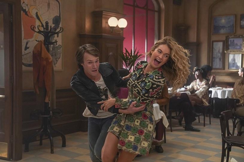 """Przygotuj się na śpiew, taniec i dużo pozytywnej energii! Nadciąga premiera ścieżki dźwiękowej do filmu """"Mamma Mia: Here We Go Again!"""" - kontynuacji musicalu, który podbił serca widzów na całym świecie. Premiera 13 lipca."""