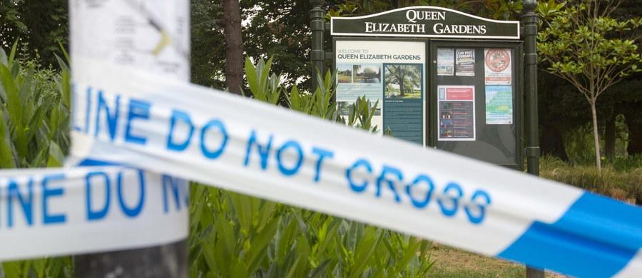 W parku w angielskim mieście Salisbury w czwartek nadal trwają poszukiwania śladów nowiczoka - bojowego środka chemicznego. Para Brytyjczyków, która miała kontakt z groźną substancją, znajduje się w stanie krytycznym w szpitalu. Cztery miesiące temu, w tym samym mieście zaatakowano identycznym środkiem byłego rosyjskiego szpiega Siergieja Skripala i jego córkę.