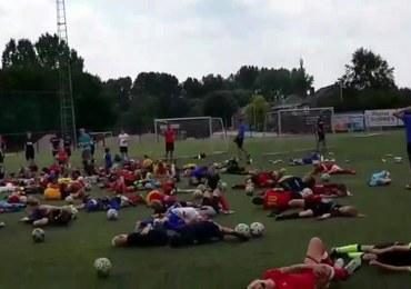 """""""Nurkuj"""" jak Neymar. Młodzi piłkarze trenują upadanie w stylu Brazylijczyka"""