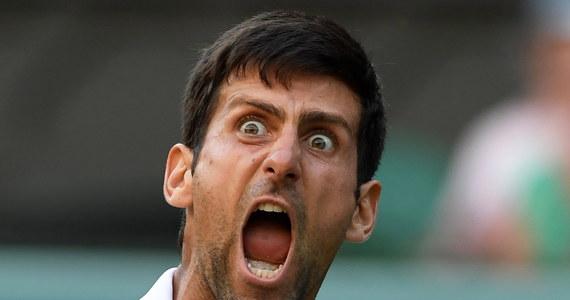 Rozstawiony z numerem 12. Serb Novak Djokovic pokonał Brytyjczyka Kyle'a Edmunda 4:6, 6:3, 6:2, 6:4 i awansował do 1/8 finału wielkoszlemowego Wimbledonu. Odpadł natomiast najlepszy obecnie niemiecki tenisista Alexander Zverev (nr 4.).