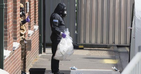 Brytyjska policja metropolitalna poinformowała w niedzielę wieczorem o śmierci 44-letniej kobiety, która była jedną z dwóch osób hospitalizowanych w ubiegłą sobotę z powodu otrucia rosyjskim wysoce toksycznym środkiem nowiczok.
