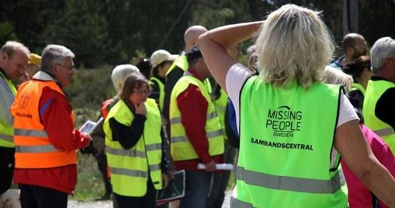 """Organizacja Missing People zaangażowała się w poszukiwania 38-letniego Polaka, który zaginął na południu Szwecji w nocy z wtorku na środę. Akcja poszukiwawcza skupiona jest wokół miejscowości Frödinge, gdzie znaleziono samochód, którym zaginiony mężczyzna podróżował. """"To walka z czasem"""" – powiedział Felix Karlsson, szef oddziału Missing People w Kalmar w rozmowie z lokalną gazetą """"Dagens Vimmerby""""."""