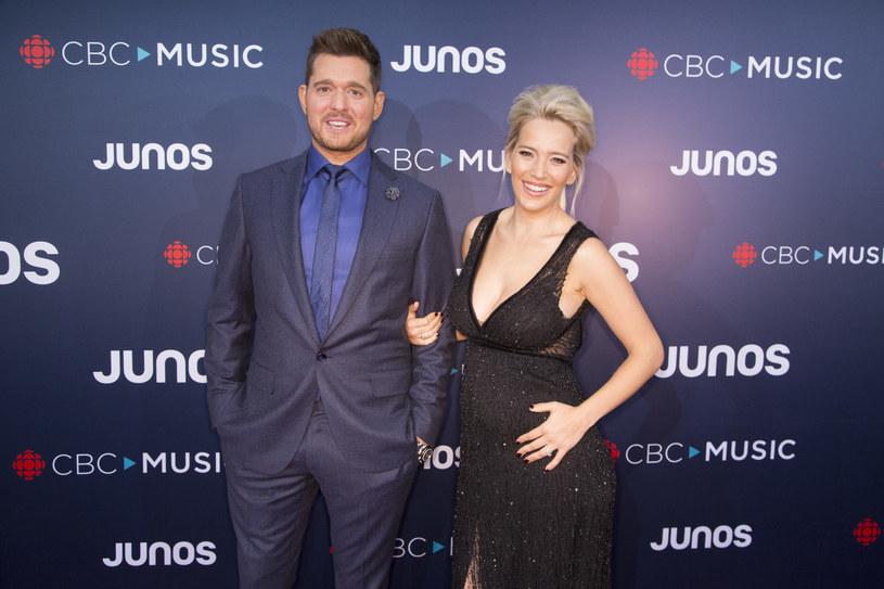 """""""Byłem w piekle. Nie mówię o wszystkim, nawet swoim przyjaciołom, ponieważ to strasznie boli"""" - mówi wracający na scenę kanadyjski wokalista Michael Buble, który zawiesił swoją karierę po tym, jak u jego wówczas 3-letniego syna wykryto raka wątroby."""