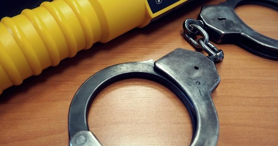 Sąd aresztował 29-latka, który kierując autem pod wpływem alkoholu potrącił trzech mężczyzn i uciekł z miejsca zdarzenia. Do wypadku doszło podczas weekendu na jednej z ulic Sulęcina w Lubuskiem - poinformowała Klaudia Richter z Komendy Powiatowej Policji w Sulęcinie.