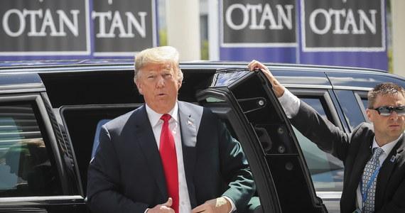 Prezydent USA Donald Trump powiedział w środę przywódcom krajów NATO na zamkniętej sesji, że chce, by zwiększyli oni wydatki obronne nie do 2, ale do 4 proc. PKB. Sekretarz generalny Sojuszu odpowiedział, że najpierw trzeba dojść do uzgodnionych 2 proc. PKB. O słowach amerykańskiego przywódcy, które padły podczas szczytu NATO, poinformowały źródła w kwaterze głównej Sojuszu Północnoatlantyckiego. Później potwierdziła je rzeczniczka Białego Domu Sarah Sanders.
