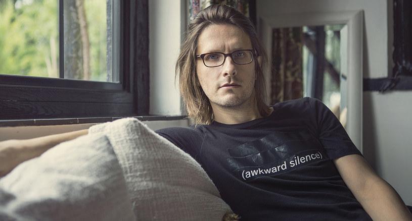 """W czwartek (12 lipca) brytyjski wokalista i multiinstrumentalista Steven Wilson wystąpi w Hali Stulecia we Wrocławiu. """"To właśnie polska publiczność jest tą, dla której chcę występować w szczególności"""" - mówi przed koncertem."""