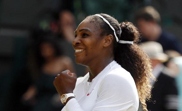 Rozstawiona z numerem 25. Serena Williams pokonała Julię Goerges (13.) 6:2, 6:4 w półfinale wielkoszlemowego Wimbledonu. O ósmy singlowy triumf w londyńskim turnieju amerykańska tenisistka zagra z inną Niemką - Angelique Kerber (11.).