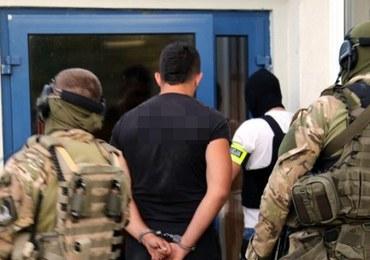 """Rozbito grupę handlującą narkotykami. Wśród nich byli tzw. """"żołnierze"""""""