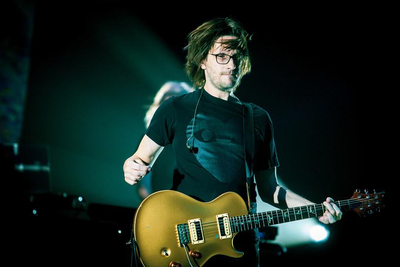 Brytyjski wokalista i multiinstrumentalista Steven Wilson poprosił fanów zgromadzonych w Hali Stulecia we Wrocławiu, by nie nagrywali jego koncertu. Jak wypadł na kolejnym występie w naszym kraju?