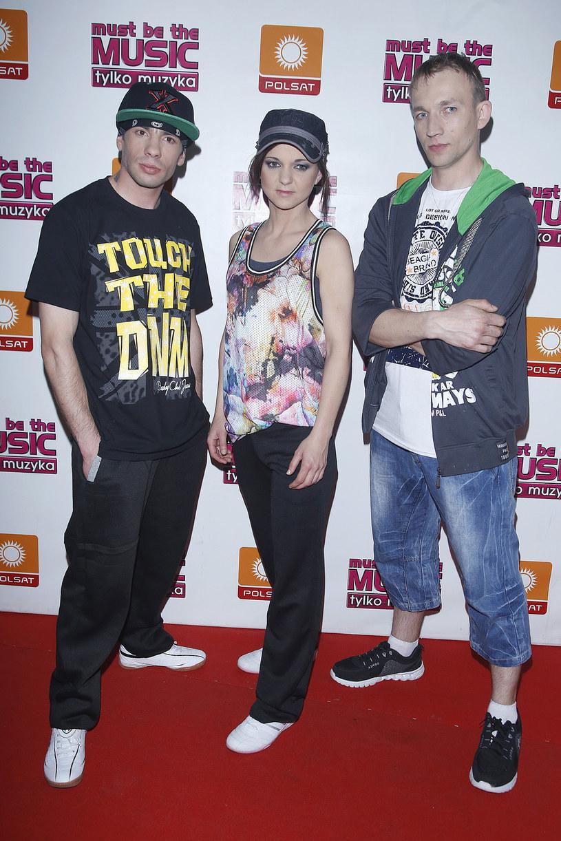 """Przed premierą singla """"Dotknij mnie"""" grupa Sachiel (laureaci siódmej edycji """"Must Be The Music"""") prezentuje animowane wideo """"Tylko ciebie""""."""