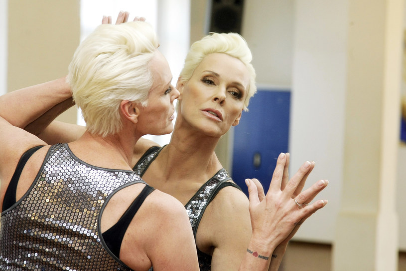 """Brigitte Nielsen - duńska aktorka, modelka, prezenterka i piosenkarka - była w latach 80. XX wieku prawdziwą gwiazdą kina. Świat szalał na jej punkcie, m.in. za sprawą ról w filmach u boku Arnolda Schwarzeneggera - """"Czerwona Sonja"""" oraz  Sylvestra Stallone'a - """"Rocky IV"""" i """"Kobra""""... 15 lipca gwiazda obchodzi 55. urodziny. Co robi teraz?"""