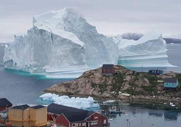 Ewakuacja na Grenlandii. Powodem gigantyczna góra lodowa