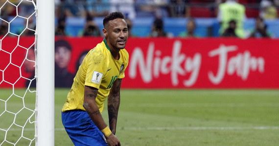 """Will Smith, który zaśpiewa w niedzielę w Moskwie podczas uroczystości zakończenia piłkarskich mistrzostw świata, dowcipnie ocenił zdolności aktorskie brazylijskiego napastnika Neymara """"To jest mój gość"""" - powiedział gwiazdor Hollywood."""