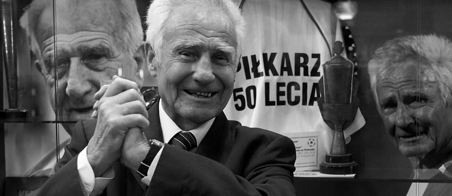 W sobotę w nocy w wieku 88 lat zmarł Roman Korynt, były piłkarz reprezentacji Polski i Lechii - podała oficjalna strona gdańskiego klubu. W 1957 roku wystąpił na Stadionie Śląskim w Chorzowie w wygranym przez biało-czerwonych 2:1 meczu ze Związkiem Radzieckim.