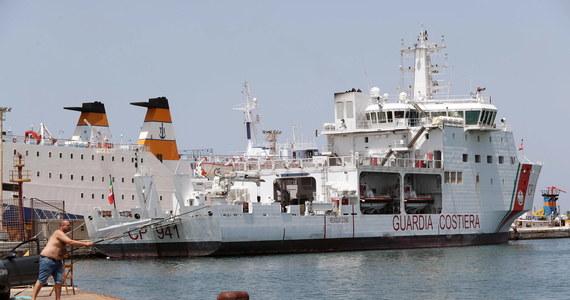 Niemcy przyjmą 50 migrantów z 450-osobowej grupy przybyłej z Libii w rejon Sycylii - poinformował rzecznik rządu w Berlinie Steffen Seibert. W sobotę władze Francji i Malty zadeklarowały chęć przyjęcia po 50 osób z tej grupy migrantów.