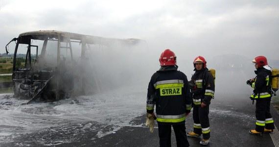 Przez kilka godzin zablokowana była autostrada A4 w kierunku Krakowa. W miejscowości Terliczka koło Rzeszowa zapalił się autokar.