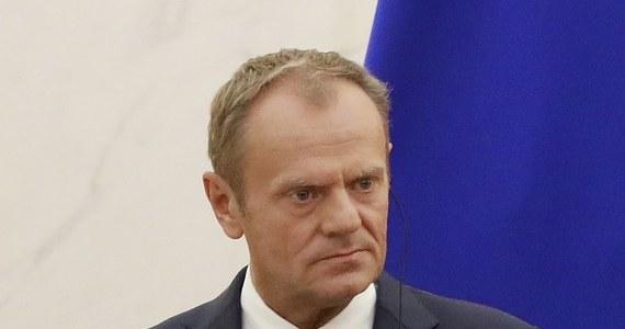 """Gdyby wybory prezydenckie odbyły się w najbliższą niedzielę, Donald Tusk przegrałby z Andrzejem Dudą - wynika z sondażu, przeprowadzonego na zlecenie """"Super Expressu"""" przez Instytut Badań Pollster. Podium zamknąłby Robert Biedroń."""