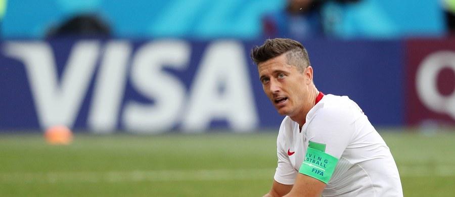 """Dzień po zakończeniu piłkarskich mistrzostw świata przyszedł czas na podsumowania mundialu. Hiszpańskie i portugalskie media wymieniły Polskę wśród przykrych niespodzianek. Wskazują, że zawiódł kapitan biało-czerwonych Robert Lewandowski. """"To nie był Lewandowski jakiego znamy z Bayernu Monachium"""" - napisał w poniedziałek madrycki dziennik """"AS""""."""