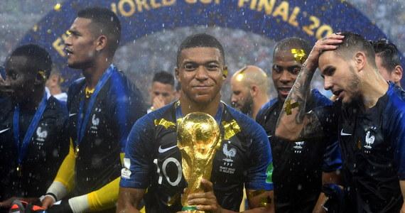 Piłkarze Francji, którzy w niedzielę zdobyli mistrzostwo świata pokonując w Moskwie na Łużnikach Chorwację 4:2, zostaną odznaczeni najwyższymi orderami państwowymi - Legią Honorową - poinformowały media francuskie.