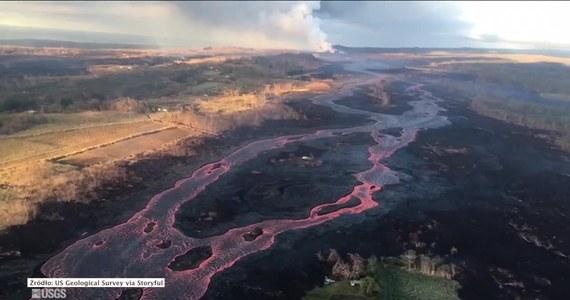 Wulkan Kilauea wybuchł na początku maja siejąc spustoszenie i niszcząc wszystko po drodze. Lawa, która spłynęła do oceanu utworzyła u wybrzeży Hawajów niewielką wyspę.