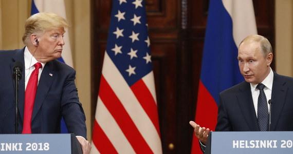 """Donald Trump w czasie wspólnej konferencji prasowej z prezydentem Rosji Władimirem Putinem """"sprzedał wywiad, wymiar sprawiedliwości i swój kraj"""" - takie stwierdzenie wygłosił w opublikowanym na Twitterze nagraniu były gwiazdor filmów akcji i były gubernator Kalifornii Arnold Schwarzenegger."""