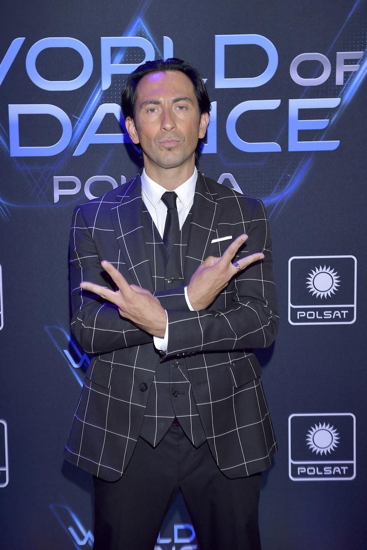 """Michał Malitowski, który tym razem będzie jurorem """"World of Dance"""", zdradza, czego oczekuje od zawodników. Tancerz wspomina również swój debiut na parkiecie i związane z tym emocje."""