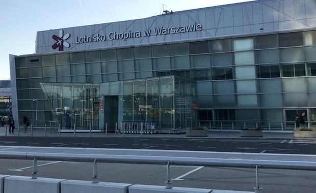 Nawet 600 euro odszkodowania za opóźniony samolot gwarantuje pasażerom linii lotniczych unijne rozporządzenie. Klienci podróżujący w ramach wycieczki wykupionej w biurze podróży mogą powalczyć o większe kwoty, o ile będą w stanie udowodnić, że koczując na lotnisku ponieśli szkody - radzi mec. Joanna Wołek-Łysoń.