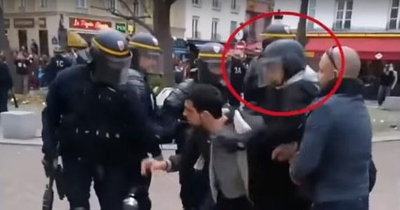 Rośnie skandal polityczny wokół bliskiego współpracownika prezydenta Emmanuela Macrona. Były wiceszef kancelarii szefa państwa Alexandre Benalla, który przebrał się za policjanta i pobił dwoje uczestników pierwszomajowej demonstracji protestacyjnej usłyszał oficjalnie zarzuty.