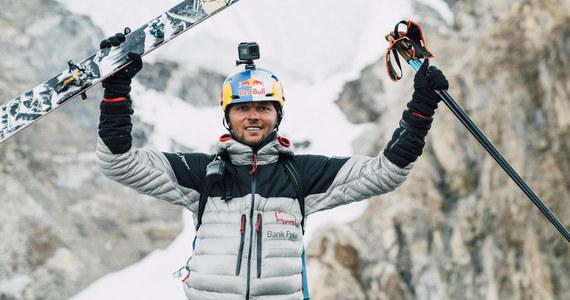 """""""Jeszcze nie spałem nigdy na 7800 metrów, a jeszcze musiałem wynieść linę i bardzo dużo bagażu, więc trochę mnie to zmęczyło"""" - mówił w rozmowie z RMF FM Andrzej Bargiel, który dziś jako pierwszy człowiek w historii zjechał z K2 na nartach. """"Było to takie wyzwanie, które mi nie dawało spokoju, bo wiedziałem, że to się da zrobić, a wiele osób uważało, że się nie da. Pozdrawiam je więc"""" - mówił skialpinista."""