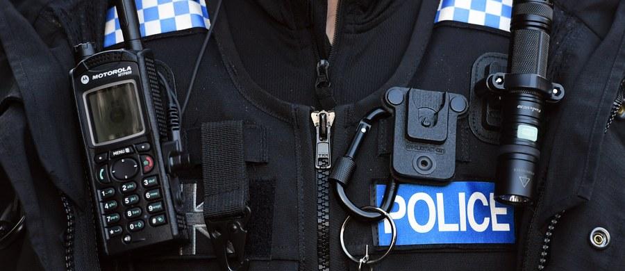 Dwóch młodych Polaków zostało zaatakowanych w Edynburgu. Jeden z mężczyzn - 19-latek - został dotkliwie pobity przez grupę nastolatków. Trafił do szpitala.