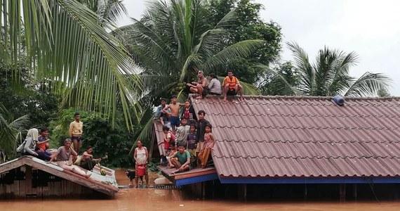 Po katastrofie zapory wodnej na południu Laosu są ofiary śmiertelne i setki zaginionych - podaje we wtorek tamtejsza oficjalna agencja KPL. Będąca w trakcie budowy tama runęła, uwalniając 5 mld sześc. wody i pozbawiając dachu nad głową ponad 6,6 tys. ludzi.