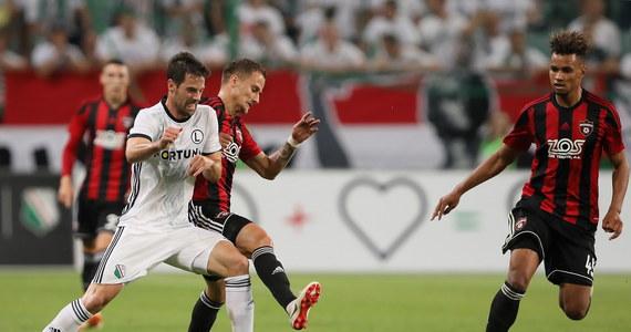 Legia Warszawa od porażki zaczyna drugą rundę eliminacji Ligi Mistrzów. Warszawianie przegrali dziś ze Spartakiem Trnava 0:2 po bramkach Erika Grendela i Jana Vlasko.