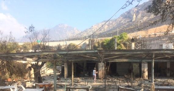 Prawie wszystkie pożary szalejące w Grecji, głównie regionie Attyka w pobliżu Aten, są już pod kontrolą - poinformował nad ranem grecki minister ds. porządku publicznego Nikos Toskas. Strażacy próbują opanować ogień na jednej z gór w pobliżu od Aten. Najnowsze dane greckiej straży pożarnej mówią o 79 ofiarach śmiertelnych. Rannych zostało 187 osób, w tym 23 dzieci. Nieznana jest liczba zaginionych. Wśród zabitych są całe rodziny z dziećmi. W wyniku pożarów zginęło między innymi dwoje Polaków - zatonęła łódź, na której była matka z synem po ewakuacji z hotelu na terenach zagrożonych pożarem.