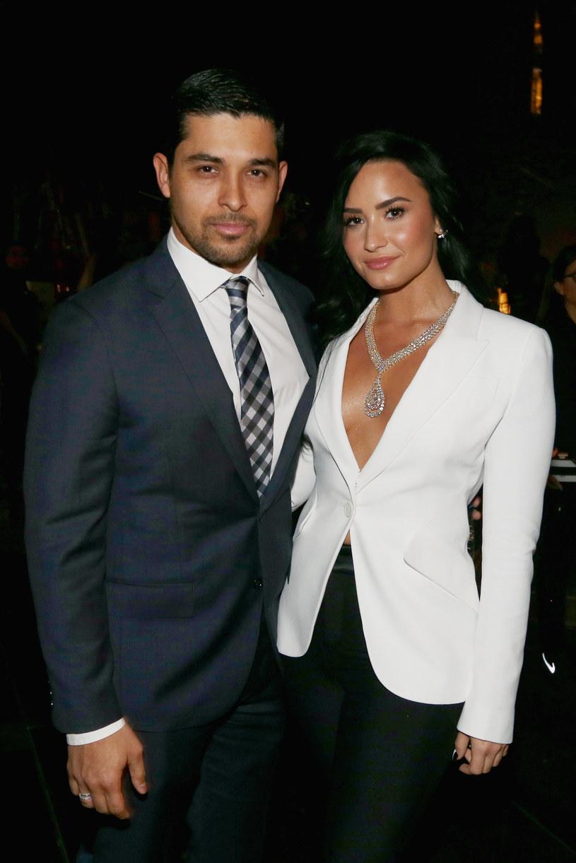 Wilmer Valderrama miał doznać ciężkiego szoku po tym,  jak dowiedział się o tym, że Demi Lovato trafiła do szpitala po przedawkowaniu.