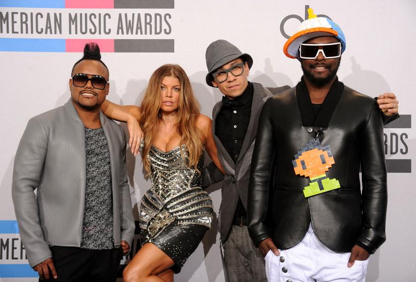 Według lidera The Black Eyed Peas, will.i.ama, zespół - po odejściu Fergie - w najbliższym czasie nie zaprosi do współpracy żadnej wokalistki.