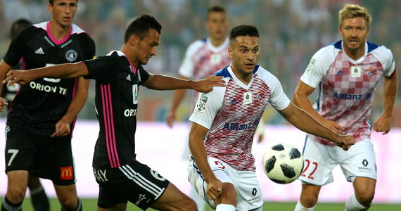 Piłkarze Górnika Zabrze przegrali na własnym stadionie 0:1 ze słowackim AS Trencin w pierwszym meczu 2. rundy kwalifikacji Ligi Europejskiej. Jedynego gola tego spotkania zdobył w 39. minucie Philip Azango. Rewanż: 2 sierpnia w Myjawie.