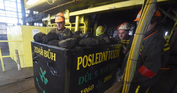 Polski górnik pracujący w kopalni węgla kamiennego w Stonavie, na wschodzie Czech, zasłabł podczas szychty i zmarł pod ziemią - podała agencja CTK, powołując się na spółkę wydobywczą Kopalnie Ostrawsko-Karwińskie (OKD), która zarządza kopalnią.