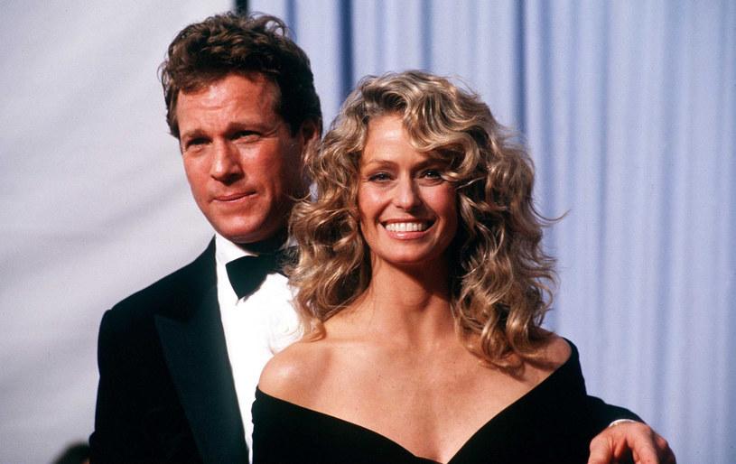 Ona była najpiękniejszym Aniołkiem Charliego, a on amantem wszech czasów. Farrah Fawcett i Ryan O'Neal poznali się na jednym z hollywoodzkich przyjęć. Uczucie spadło na nich jak grom z jasnego nieba.