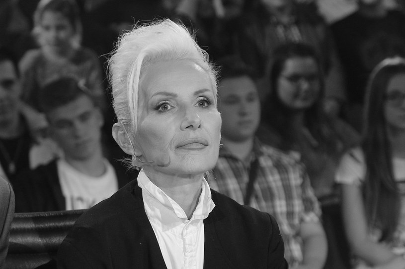 W sobotę 28 lipca zmarła Kora, jedna z najważniejszych polskich wokalistek działających w muzyce rozrywkowej. 67-letnia piosenkarka przegrała walkę z nowotworem. W mediach społecznościowych liderkę zespołu Maanam żegnają inni artyści, a wśród nich m.in. Justyna Steczkowska, Andrzej Piaseczny, Muniek Staszczyk, Beata Kozidrak i Kasia Kowalska.