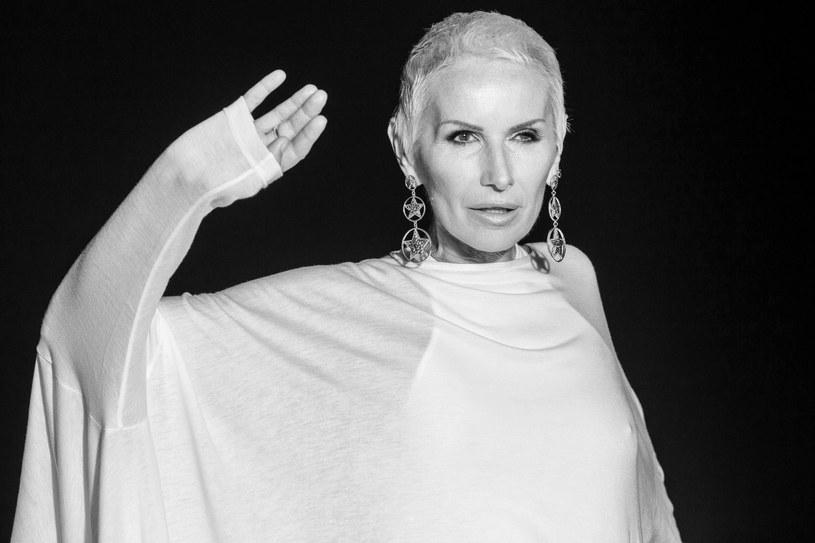 Jeszcze za życia okrzyknięto ją królową polskiego rocka, a jej utwory weszły do kanonu rodzimej muzyki rozrywkowej. Przypominamy największe przeboje Kory, która 28 lipca zmarła w wieku 67 lat.