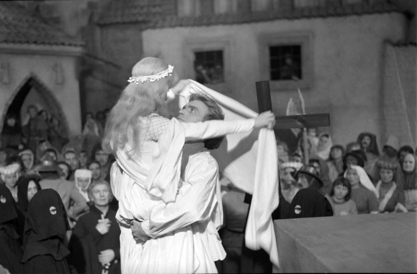 """Takiej widowni nie będzie miał już chyba żaden polski film – 32,3 mln. To więcej niż liczba ludności kraju w roku premiery. W 1960 roku ludzie tygodniami czekali, aby obejrzeć w kinie film """"Krzyżacy""""."""