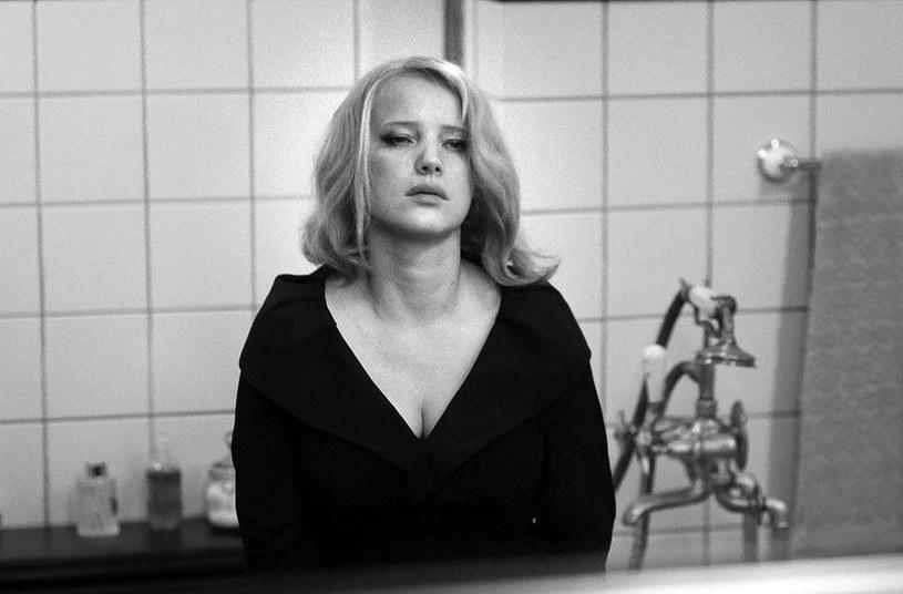 """Serca polskich widzów zawojowała już dawno. Potem zauważył ją świat - dzięki roli w """"Kobiecie z Piątej Dzielnicy"""". Teraz amerykańskie media, zachwycone """"Zimną wojną"""", twierdzą, że Joanna Kulig ma spore szanse na Oscara."""