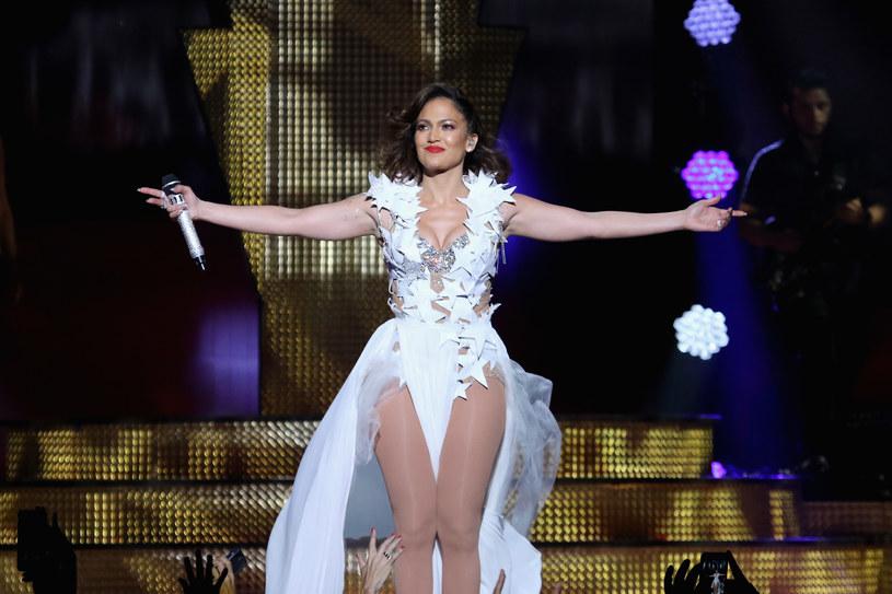 Jennifer Lopez została laureatką specjalnej nagrody Michael Jackson Video Vanguard Award. Amerykańska wokalistka odbierze ją podczas rozdania tegorocznych statuetek MTV Video Music Awards w Nowym Jorku.