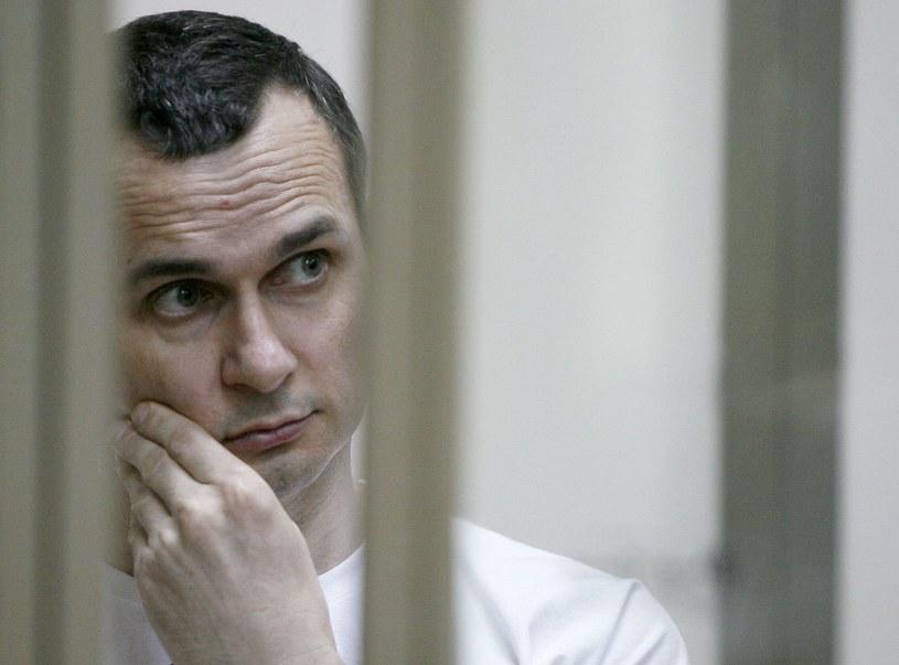 - Władze Rosji nadal ukrywają informacje o stanie zdrowia więzionych tam obywateli Ukrainy, w tym głodującego od połowy maja reżysera Ołeha Sencowa - oświadczyła ukraińska rzeczniczka praw człowieka Ludmyła Denysowa.