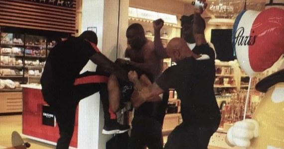 Starcia band dwóch francuskich raperów z afrykańskimi korzeniami na podparyskim lotnisku Orly. Najpierw pobili się raperzy, później do bijatyki włączyło się ponad 20 towarzyszących im osób, a następnie doszło do starć z policją. Część portu lotniczego została czasowo zamknięta.