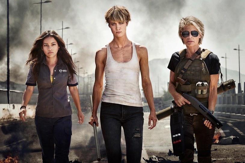 """Mackenzie Davis, Linda Hamilton i Natalia Reyes zagrają główne role w nowej odsłonie """"Terminatora""""."""