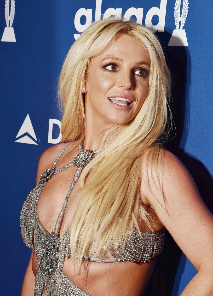 Britney Spears przyznała, że czuje się lekko zawstydzona, gdy ktoś rozpozna ją w miejscu publicznym.
