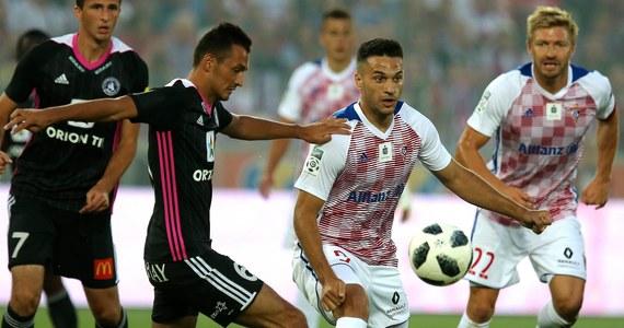 Piłkarze Górnika Zabrze przegrali z AS Trencin 1:4 (0:2) w rewanżowym meczu 2. rundy kwalifikacji Ligi Europejskiej w Myjawie. Pierwsze spotkanie drużyna słowacka wygrała 1:0 i awansowała do kolejnej fazy, w której zmierzy się z Feyenoordem Rotterdam.